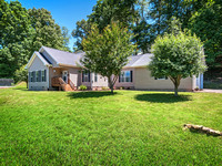 405 Loop Road, Clyde NC